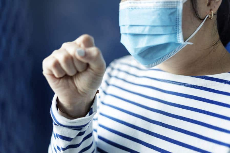 lady wearing surgical mask